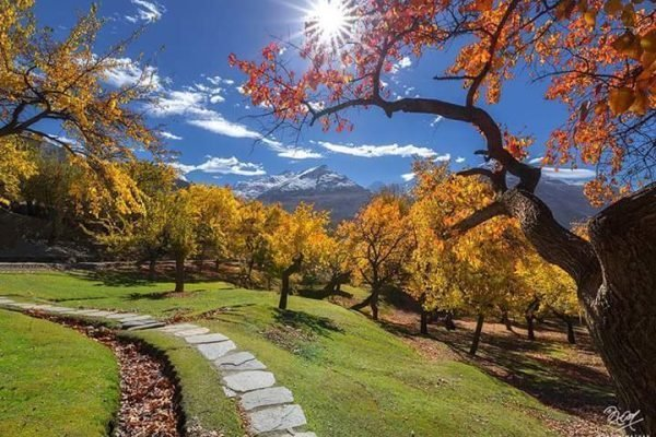Hunza Autumn Tour couple